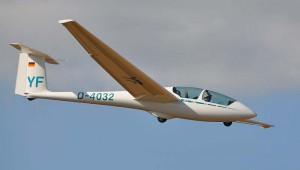 ...bei einem spontanen Gastflug in der ASK 21 des Aero-Club-Nastätten.