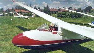 Peter Nenning von der Westallgäuer Luftsportgruppe in Kempten-Durach ergänzt unsere Galerie mit einem Bild einer Ka 6 mit offener Haube