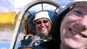 Man sieht ihnen den Spaß förmlich an, den sie mit ihrer K7 über den französischen Seealpen haben: Ingo und Antje Wiebelitz aus Hilchenbach im Siegerland