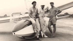 Peter Waplinger aus York (PA) schickte uns diese historische Aufnahme, die 1963 in Lima (Peru) entstand. An der Ka 7 stehen Fernando Corante, Georg Leixner und Hans Waplinger.
