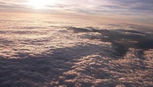 Karel Vladar fotografiert aus seiner ASW 19 im Wellenaufwind 8500m über dem Riesengebirge