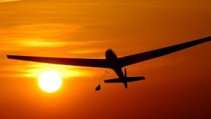 Startpunkt ist ein 15 Meilen östlich gelegener Flughafen. Meist mit Motorkraft geht es dann zu den Torrey Pines. Marshall Martin machte diese spektakulären Aufnahmen.