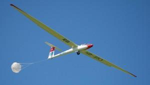 René Bartlomé möchte die Galerie mit einem Bild der ASW 12 ergänzen. 2000 Stunden ist er ohne jeglichen Vorfall damit unterwegs gewesen und findet: ein absolut tolles Flugzeug!