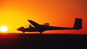 Ein letzter Start mit der 21 kurz vor Sonnenuntergang. Foto: Holger Weitzel www.aufwind-luftbilder.de