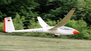 """Nach der Instandsetzung konnte er jetzt den Erstflug genießen: """"Es ist ein wunderschönes Flugzeug""""."""