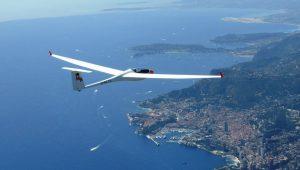 Michaela Lindorfer und Hermann Eingang begleiteten Michael Maurer mit seiner ASW24E bei einem herrlichen Flug über der Bucht von Monaco
