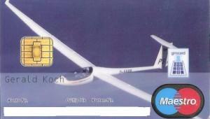 Gerald Koch zeigt uns den besonderen Service der Volksbank Odenwald, die eine ASW 27 auf seiner EC-Karte abbildet...