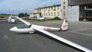 und der ASW 19 vom Fluglager des LSC Hamm in Hosin.