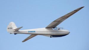 John Viney schickte uns dieses Bild, das einen Condor bei dem ersten Flug nach dem Wiederaufbau zeigt. Am Steuer sitzt übrigens Ingo Renner.