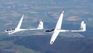 Die ASH 25 und ASW 28 der SG-Dittingen (CH) über dem Jura. Danke an Jörg Strub!
