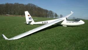 Die ASW 15 B von Dirk Nolzen hat über den Winter Winglets bekommen.