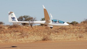 """Christoph Sahlin aus der Schweiz erwischte die ASH 25 Mi """"MK"""" in Namibia."""