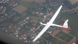 Lasse Schwarze mit der ASW 19 ITT über Hamm