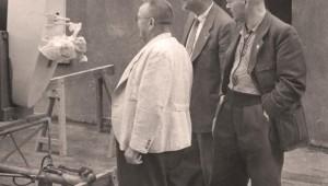 Alexander Schleicher and Rudolf Kaiser with a customer in the 1950s