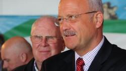 Seniorchef Edgar Kremer und Bürgermeister Manfred Helfrich, Poppenhausen