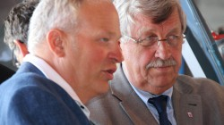 Harald Jörges und Regierungspräsident Walter Lübcke (CDU)