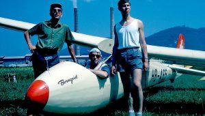 Daniel Steffen hat uns dieses Foto zugesendet, das Ernst Binggeli Anfang der 60er Jahre am schweizer Flugplatz Olten-Gheid aufgenommen hat...