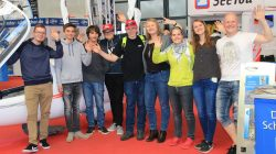 Schleicher employees and young pilots from Hammelburg