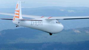 Gerhard Sindermann hat schon 2200 Stunden auf seiner wunderschönen Ka 6 geflogen, unter anderem in 2018 auch ein 633 km FAI Dreieck.