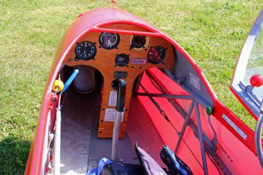 Weitestgehend noch im Originalzustand - das Cockpit der D-5701